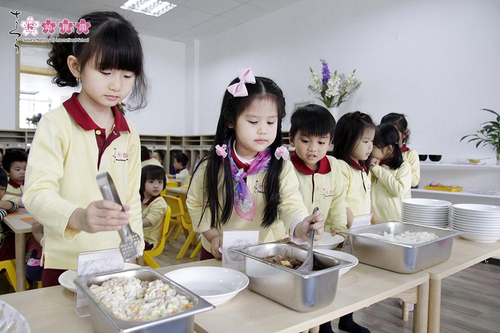 Thực đơn mầm non quốc tế Sakura Montessori - 1