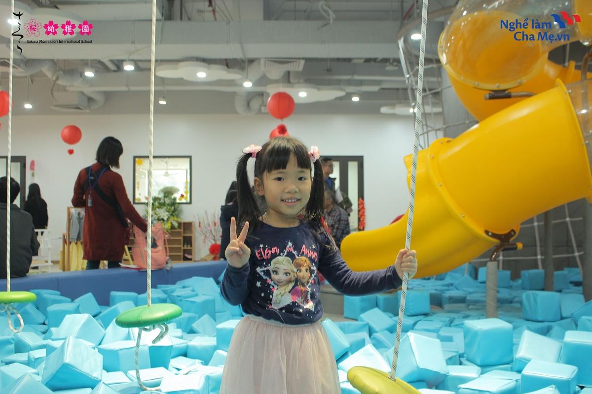Hoi-thao-Mon-mom-Montessori-va-cach-nuoi-day-em-be-hanh-phuc-10
