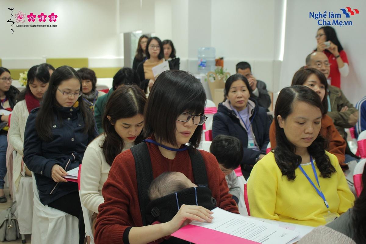 Hoi-thao-Mon-mom-Montessori-va-cach-nuoi-day-em-be-hanh-phuc-15