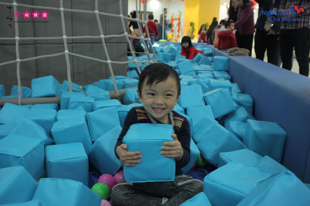 Hoi-thao-Mon-mom-Montessori-va-cach-nuoi-day-em-be-hanh-phuc-9