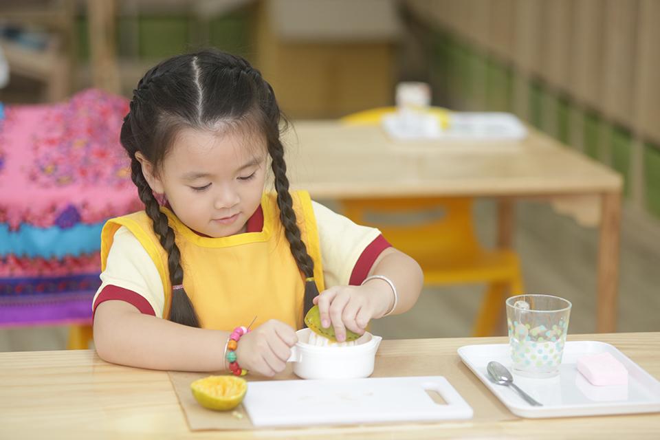 Kỹ năng sống tự lập theo đúng tinh thần phương pháp Montessori - 1