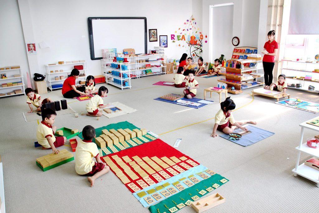 Lớp học Montessori tại ngôi trường tiên phong đặt nền móng phương pháp Montessori đầu tiên tại Việt Nam - Trường mầm non Quốc tế Sakura Montessori