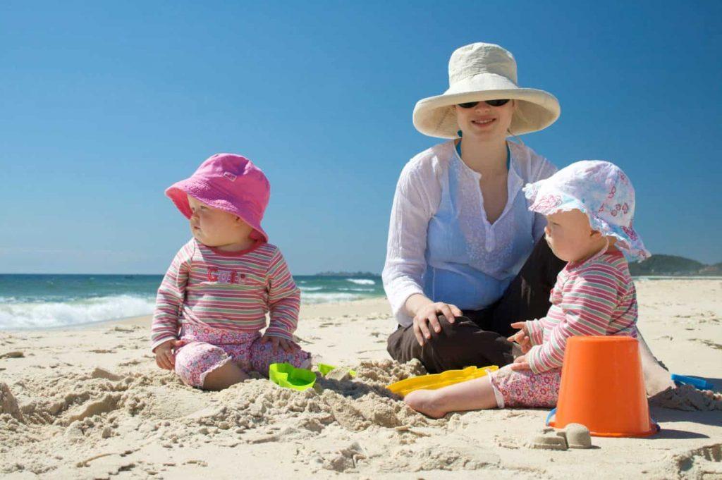 Ba mẹ đã biết: Bí kíp giúp bé khỏe mạnh trong mùa hè này?