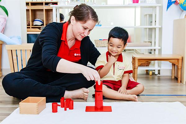 Môi trường giáo dục tôn trọng trẻ tại Trường Mầm non Quốc tế Sakura Montessori