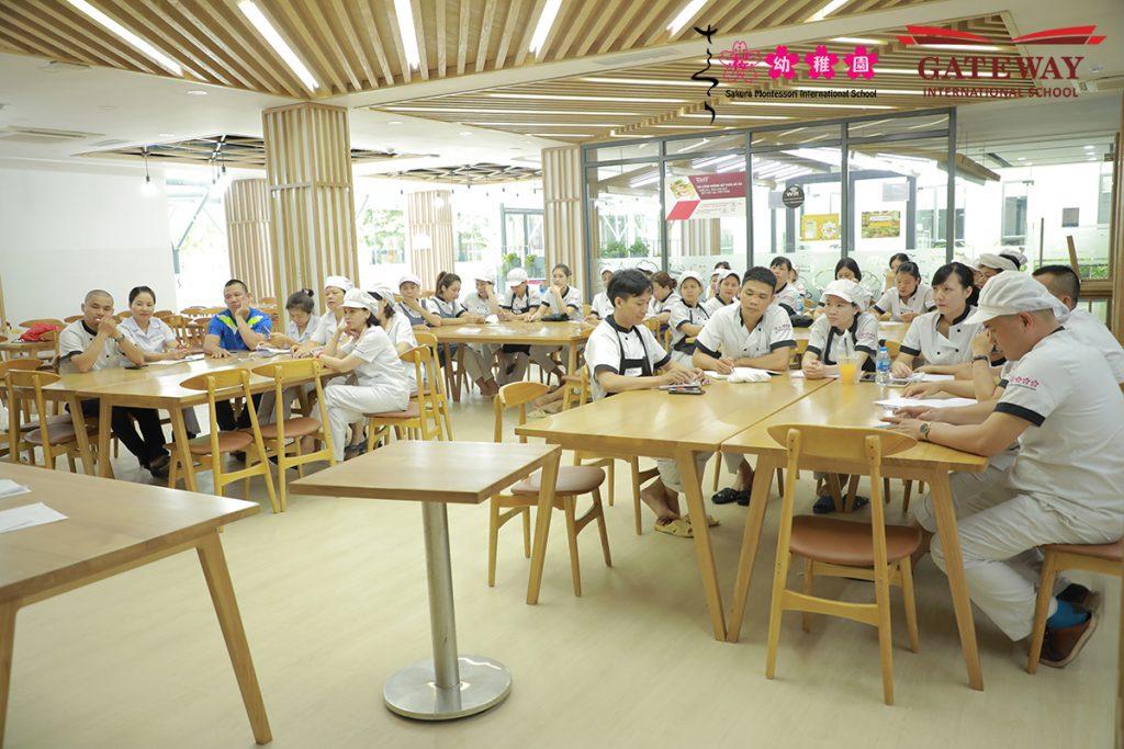 Sakura Montessori tổ chức đào tạo nâng cao nghiệp vụ cho đầu bếp cơ sở