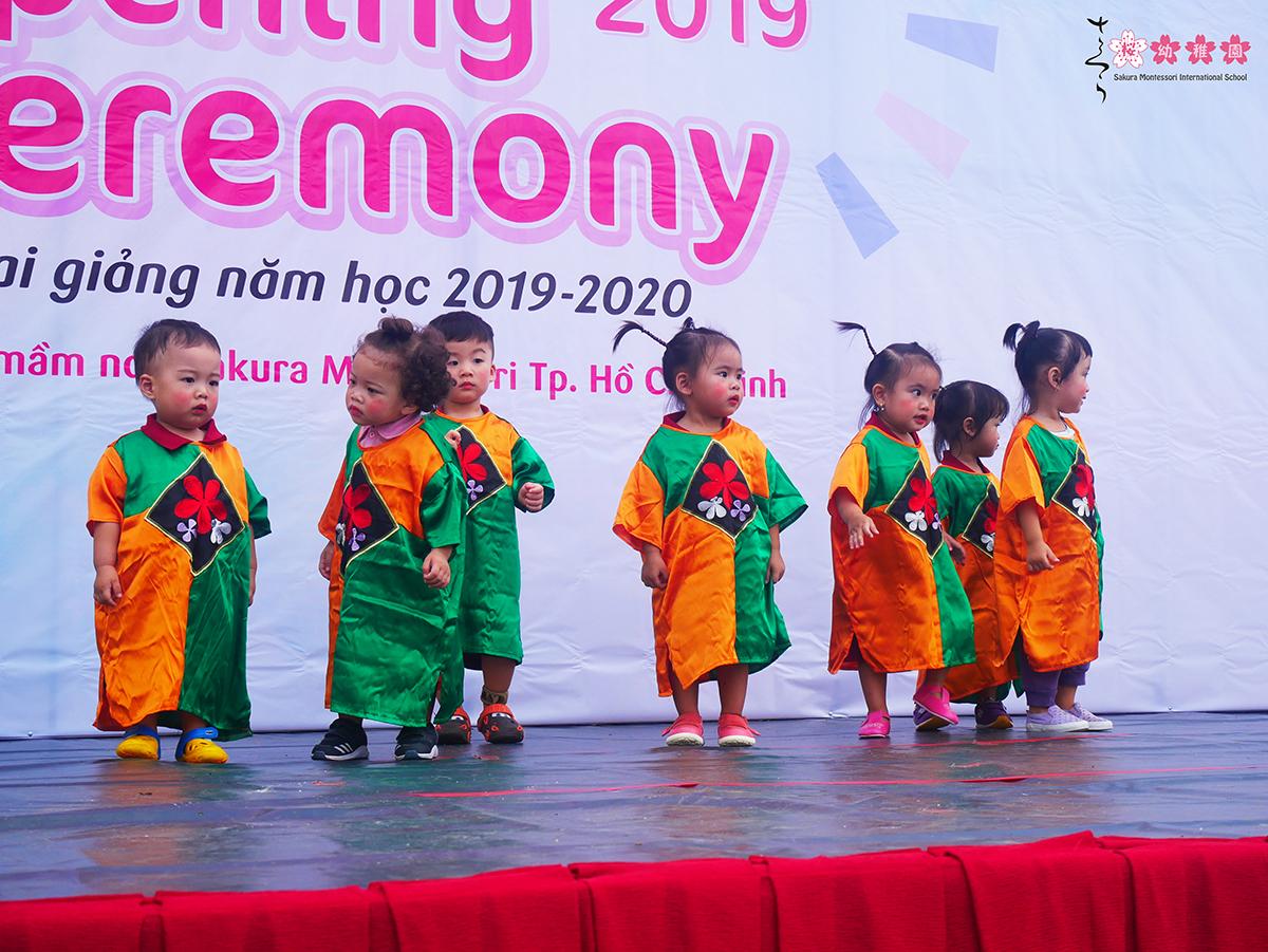 Gần 2.000 học sinh Sakura Montessori náo nức đón lễ khai giảng năm học 2019 - 2020