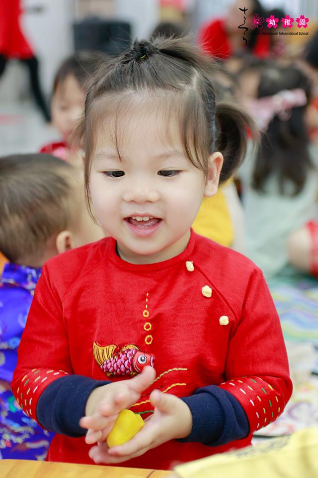 Cùng con trải nghiệm Tết quê hương tại Sakura Montessori Cầu Giấy 12
