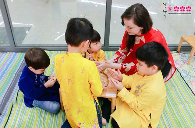 Cùng con trải nghiệm Tết quê hương tại Sakura Montessori Cầu Giấy 14