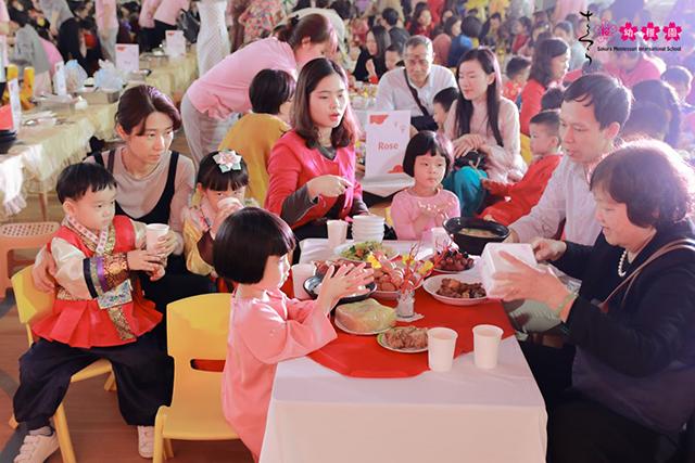 Cùng con trải nghiệm Tết quê hương tại Sakura Montessori Cầu Giấy 7