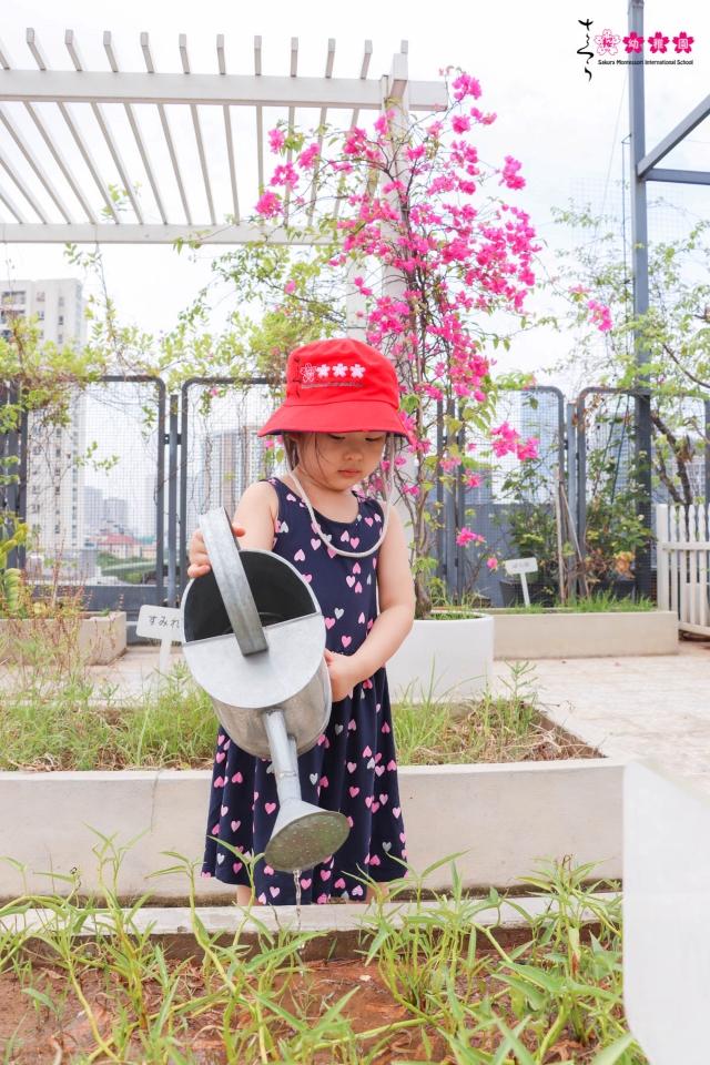Nuôi dưỡng tâm hồn trẻ thơ bằng việc cùng con trồng rau, làm vườn!